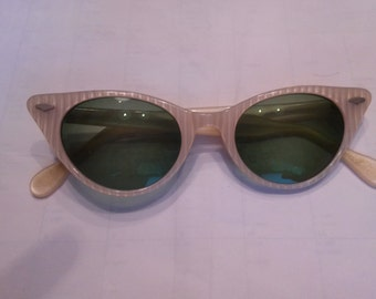 Vintage cat eye sunglasses pearl frames