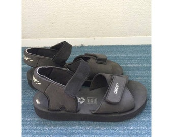90s Black Foam Strappy Sandals