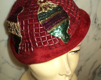 Vintage 1950 Fantasy Demi Chapeau MAY STRIKLETT Felt Merlot Beaded Sequined