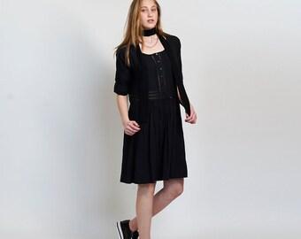 Placket Eyelet midi dress ,Black.