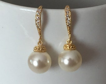 Gold Pearl dangle earrings, wedding jewelry, bridal jewelry, Pearl earrings, bridesmaid jewelry