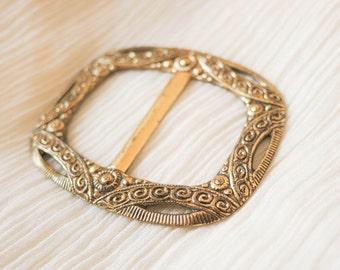Filigree 1930s Vintage golden colored metal brass art deco BELT BUCKLE ornamental  30s openwork design