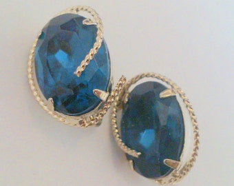 Vintage Sapphire Blue Oval Rhinestone Silver Tone Clip Earrings
