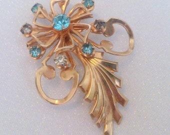 Vintage Gold Tone Aqua Blue Rhinestone Flower Brooch