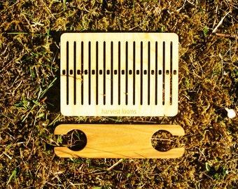 pocket loom and shuttle- rigid heddle, backstrap weaving, band weaving, belt weaving, backstrap rigid heddle, DIY weaving, learn to weave
