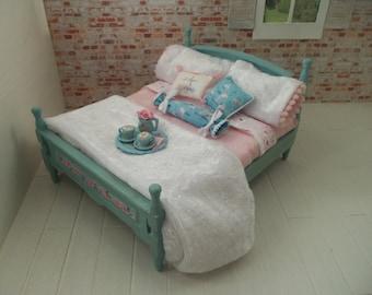 Dollhouse miniature furniture - bed