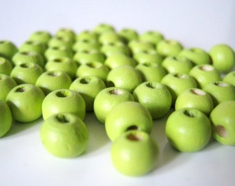 100 Dyed Grass Green Wood Beads 6mm