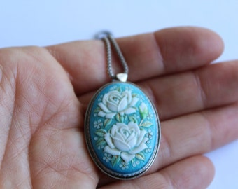 Sterling Silver Hand Painted ceramic Brooch/ necklace - White Roses - Hand painted