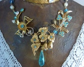 ANTIQUE TURQUOISE FLOWERS Rhinestone vintage assemblage necklace