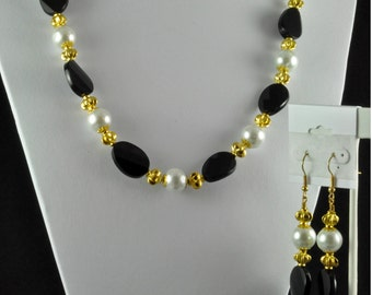 Pearl,Black and Gold Necklace