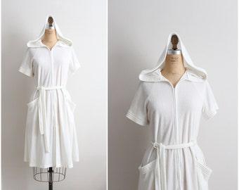 80s Vintage White Terry Cloth Robe / Spa Wedding Robe / Hooded Robe / Size M/L