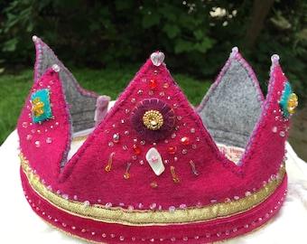 Child's crown dress up // birthdays // waldorf steiner wool
