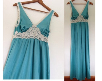 Gorgeous Jade Flowing Vintage Nightgown / USA Union Made Vintage / Special Occassion Nightgown / Vintage Lingerie / Miss Elaine