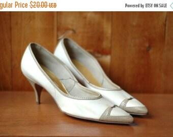 SPRING SALE / SALE / vintage 1950s shoes / 50s white two tone stilettos / size 9 N