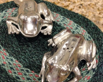 Pewter Salt pepper shakers silver color FROG