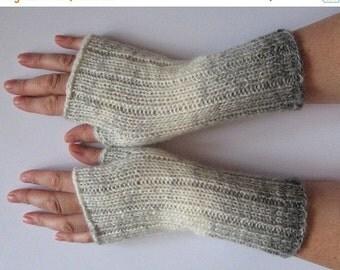 Fingerless Gloves Gray Milk White wrist warmers