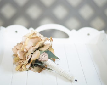 Guest book pen select flower showing champagne peony pen