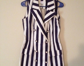 Vintage Frederick's Of Hollywood Size 9/10 Blue & White Sleeveless Top w/ Buttons