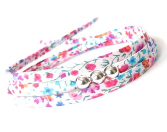 Cute girl's bracelet with floral fabric Liberty Phoebe, pink party gift for girls, mini wrap bracelet with 3 sterling silver beads
