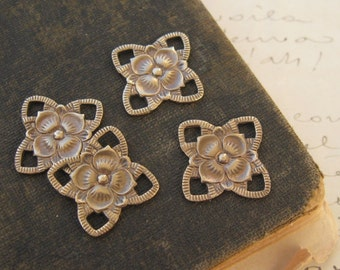 Brass Ox Filigree Flower Connector Findings 4 Loops 22mm (4)