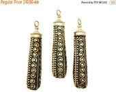 15% Valentines Day Tibetan Style Brass Dotted Pendant (S8B16-04)