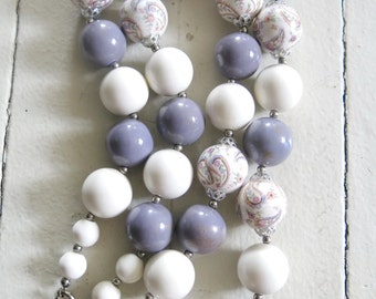 Vintage dusty purple and white pearl necklace