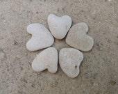 5 pcs. Natural Perfect Heart Shaped Stone. Beach Heart Rocks. Wedding Invitation Eco Pebble Stone Deco Supply. Thank you wishing stones