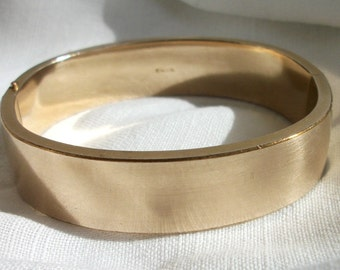 Bangle Bracelet FMCO ~ HTF Plain ~ Gorgeous Very Vintage ~ Chic Costume Jewelry