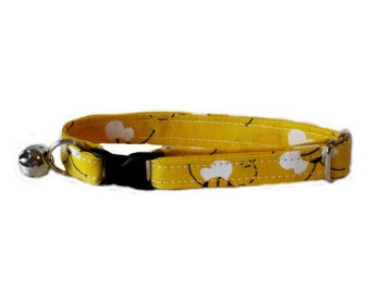 Bumbling Bees adjustable breakaway cat collar