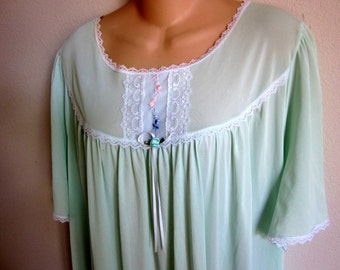 Vintage nylon nightgown long Barbizon free bust plus size lingerie 2X XXL