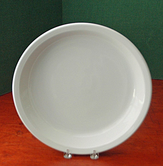 "Vintage CORNINGWARE PIE PLATE White w/Cover, 9 7/8"" di x 1  3/8"" deep, (Mrk 9 x 1 1/4, 309, Range, Microwave on Bottom) Exc Used Condition"