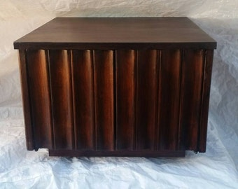 Classic Brown Ash Stained Cabinet Side Table with 2 Doors and Storage
