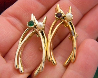 Vintage Wish bone brooch lot of two good luck