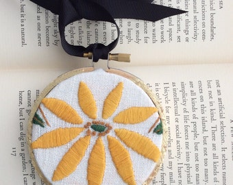 Vintage linen embroidery hoop art / gallery wall item / sunflower wall decor / one of a kind vintage home art