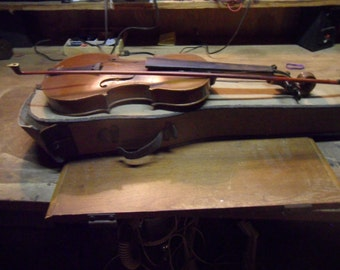 1920s Violin with original Bow and Case,, needs work,  great estate sale find