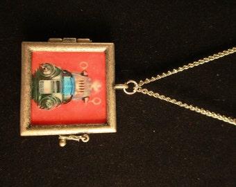 Sci Fi Elysium Robot Necklace