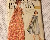 Vintage Vogue Printed Pattern 9492 Muu Muu Gown