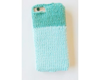 Two-toned knit sweater case for iPhone 6s