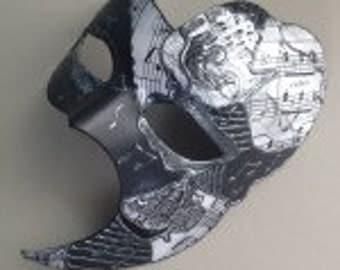 Men's Black & White Phantom Venetian Scene Masquerade Mask