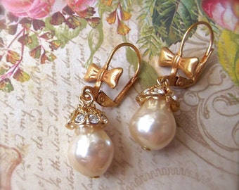 Vintage Faux Pearl, Japanese Faux Pearl, Pearl & Crystal, Brass Crystal Cap, Crystal Bead Cap, Brass Crystal Pearls, Beautiful VintagePearl