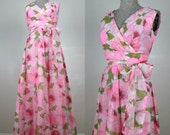 Vintage 1970s Dress 70s Pink Floral Crepe Maxi Gown by Henry Lee Size 8M