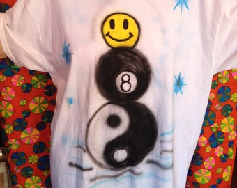 Yinyang 8ball happy face snowman airbrush tee size XL