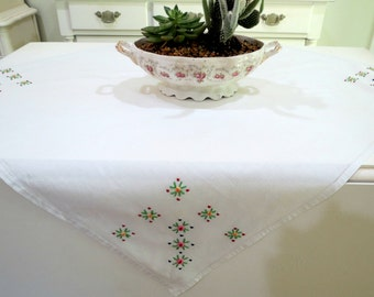 Hand Embroidered Tablecloth, Vintage Breakfast Cloth, Cotton Table Linen, 32 x 28, Raised Pink Roses, Vintage Linens by TheSweetBasilShoppe