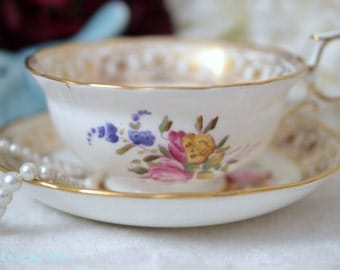 Thomas Goode & Company English Bone China Teacup And Saucer, Cabinet Collector's Tea Cup Set, ca.