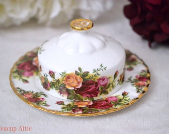 Royal Albert Old Country Roses Round Covered Butter Dish, English Bone China, Replacement China, ca. 1969-2001