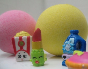 FREE SHIPPING - SHOPBOMS - 6 Bath bombs with Shopping Toy Inside