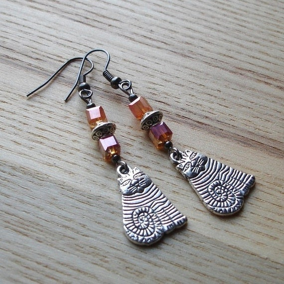 Cheshire Cat Unique Earrings - Stripe Kitty Tibetan Silver and Orange Glass Beaded Jewellery - Gift for Mum, Sister - Fashion Accessory