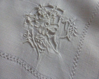 12 Embroidered Pure Linen Vintage Handkerchiefs, Beautiful condition  Circa  1930S.