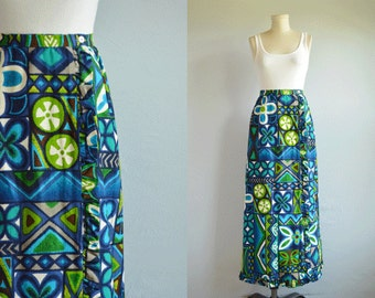 Vintage 1960s Maxi Skirt / 60s Novelty Hawaiian Tiki Print Barkcloth Maxi Skirt