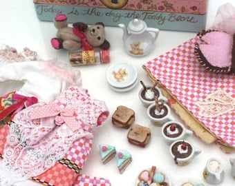 Entire Teddy Bear Blythe Picnic Playscale